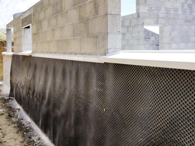 mjs-etancheite-mur-enterre-a-moidieu-pose-de-nappe drainante